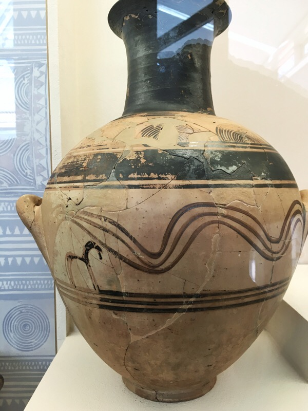 The first recorded depiction of a horse in Attic vase-painting: 10th century BC
